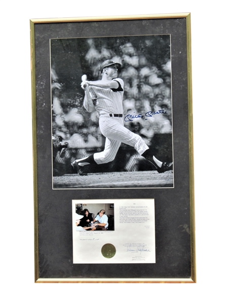MICKEY MANTLE SIGNED 16X20 PHOTO WITH NOTARY LETTER