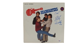 THE MONKEES HEADQUARTERS ALBUM SIGNED BY MICKY DOLENZ